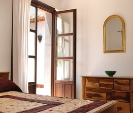 holiday villa iznajar