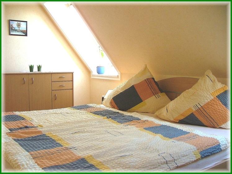Schlafzimmer Fewo