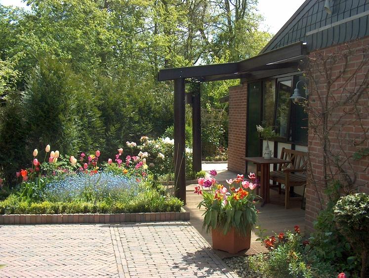 Im Frühjahr und Sommer erscheint unser Ferienpark in voller Blütenpracht.
