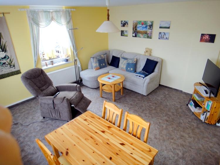 Wohnzimmer - Ferienwohnung