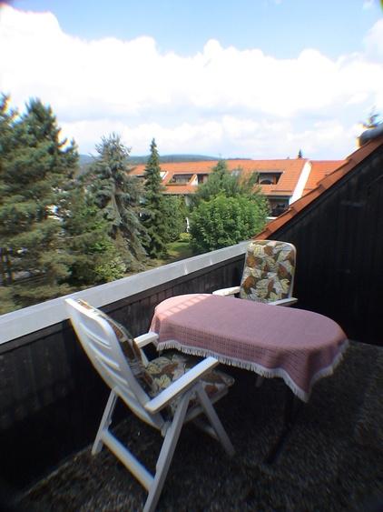 Balkon oben mit Unterstellkammer
