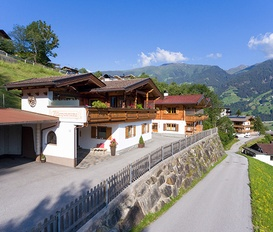 Holiday Home Zell am Ziller-Hainzenberg