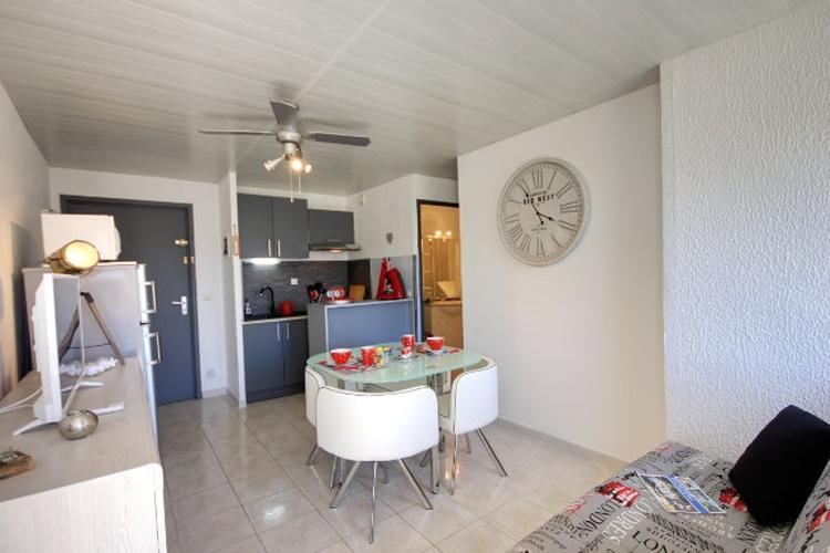 Wohnraum zur Küche hin