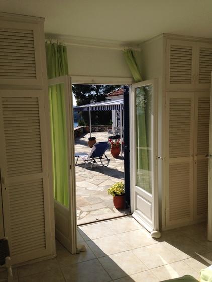 Tür auf zur Grossen Terrasse von Grünem Schlafzimmer