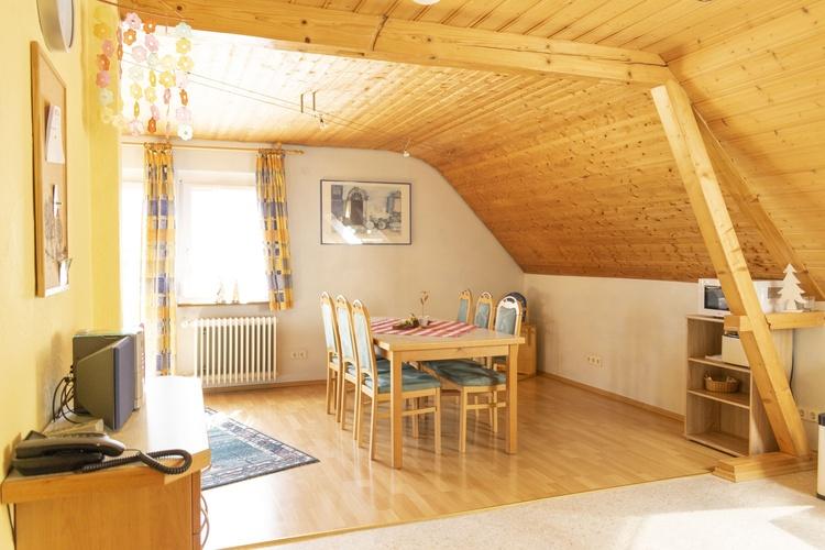 Wohnbereich der Ferienwohnung Bachblick
