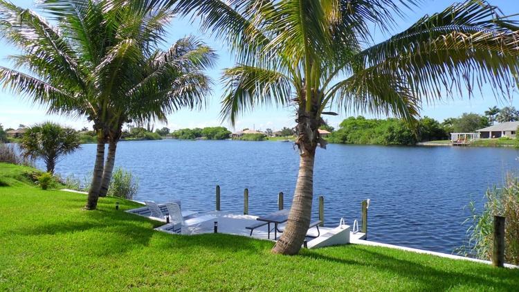 Boat dock / Lake