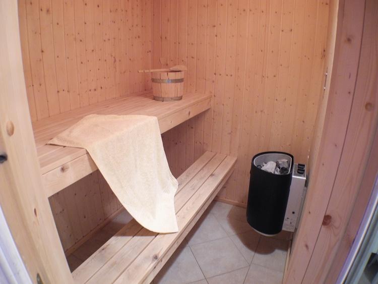 Sauna lädt zur Entspannung ein