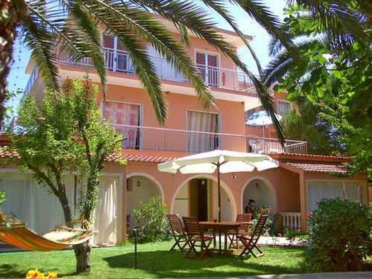 Ferienunterkunft Golden House in Agios Georgios