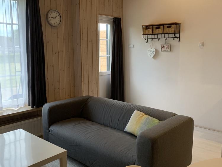Sofa und Eintritt in 27A