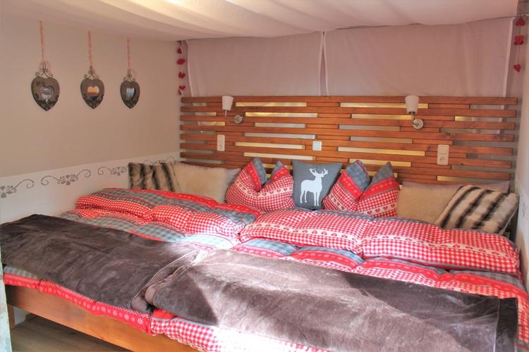 übergroßes Bett