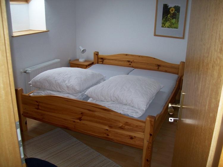 Wohnung II, eines der beiden Doppelbettschlafzimmer