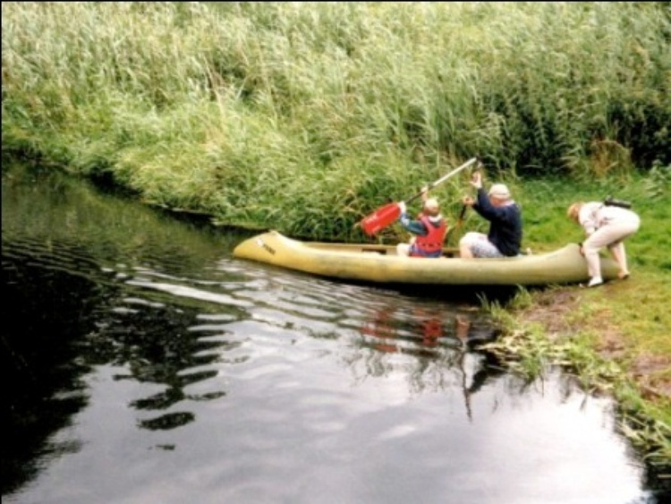 Canoe is included (lake 300 meters, river Warnow 900 meters), trailer + accessories available