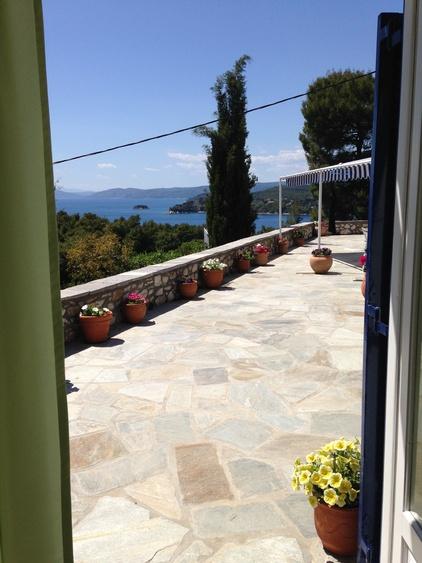 Terrassen und Meerblick von Grünem Schlafzimmer