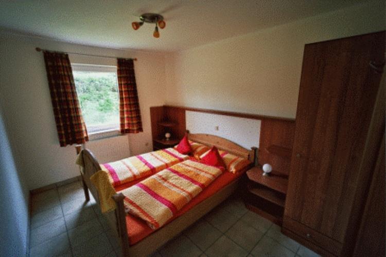 Es gibt zwei Schlafzimmer mit je einem Doppelbett...