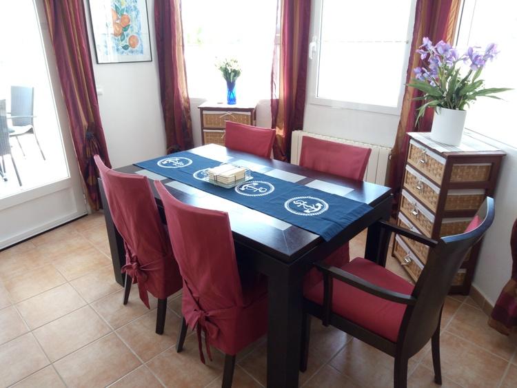 Essecke beim Wohnzimmer mit 6 sitzplätzen