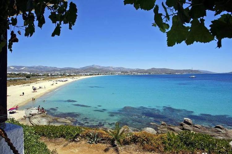 Beach of Agios Prokopios: 300 m.