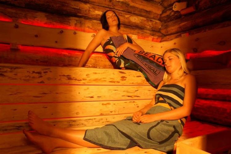 jedes Chalet hat eine eigene Sauna