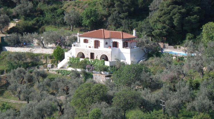 Villa Kamáres in the olive grove