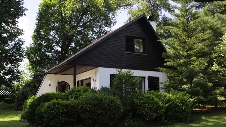 Sehr schönes Ferienhaus 70qm mit 500qm baumbewachsenem Garten