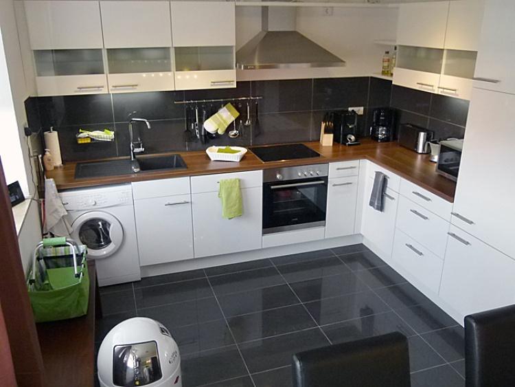Offen Küche mit Vollausstattung der strandnahen TRAUMWOHNUNG NO. 1