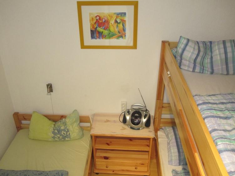 2. Schlafraum mit Etagen- und Einzelbett