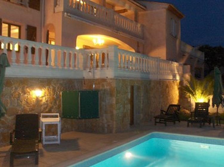 Sehr komfortable Villa mit Pool für 8 Personen in Les Issambres