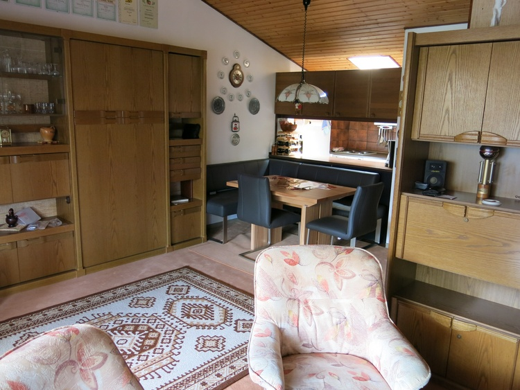 Wohnschlafzimmer Schrankbett oben