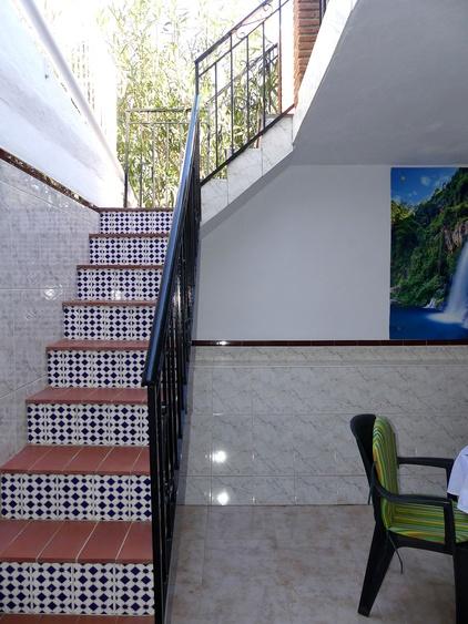 Treppe vom Innenhof direkt zur Terrasse