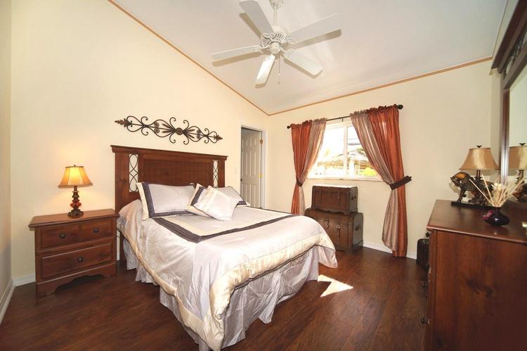 3. Schlafzimmer der Villa in Cape Coral Florida