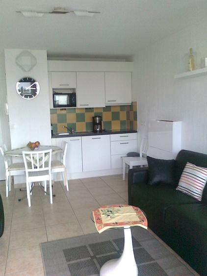Wohnzimmer Teilansicht mit Küchenzeile