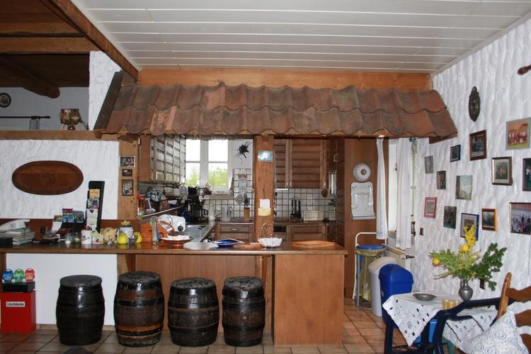 Blick in die Küche mit Bar