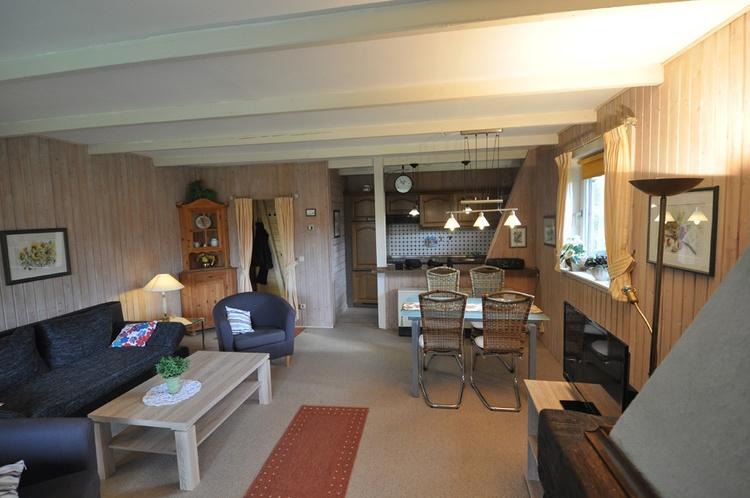 Blockhaus Wohn-Esszimmer Küche