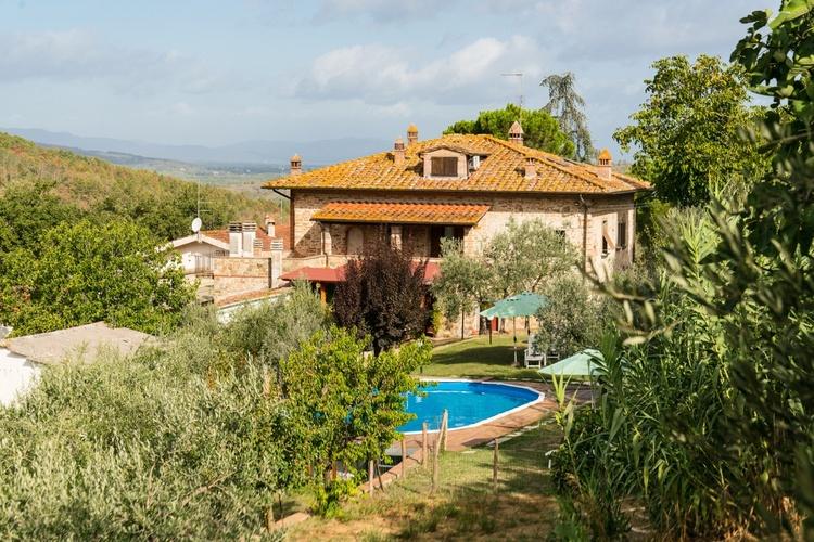 Blick auf Casa La Greta mit Pool