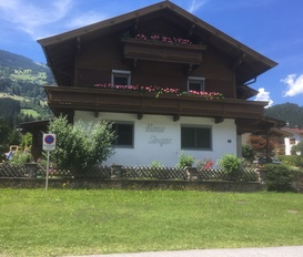 Ferienwohnung Aschau im Zillertal Dorfstrasse 38