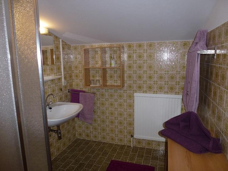 Alle Zimmer mit Dusche und Balkon
