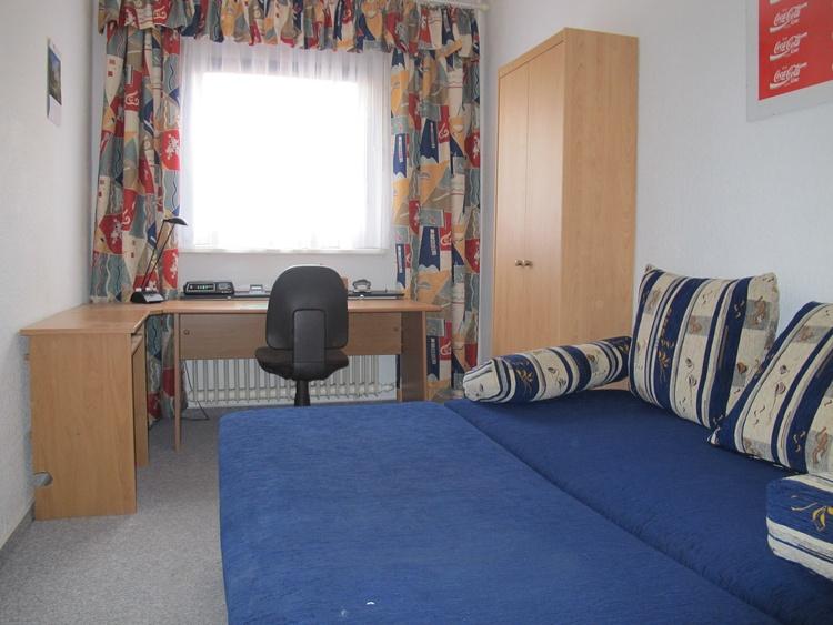 2. Schlafzimmer Couch ausgeklappt