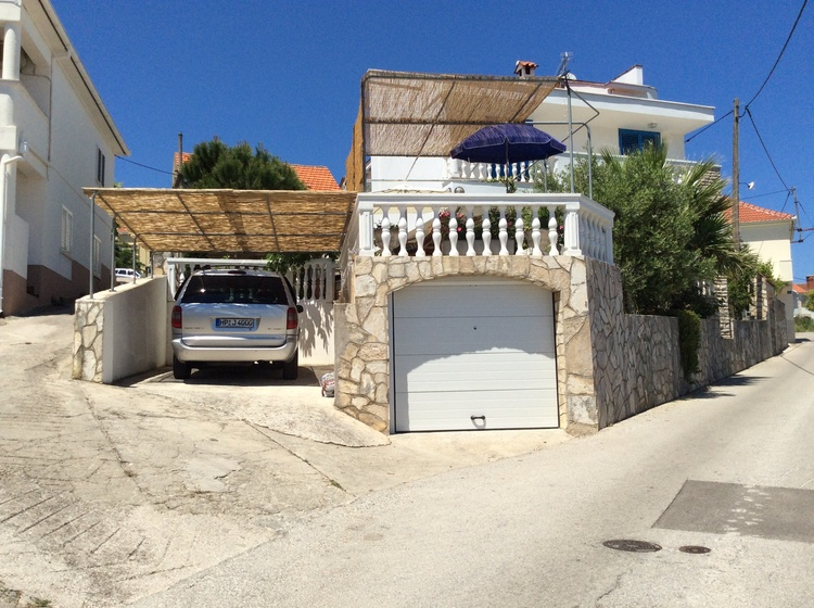 Your holiday home with terrace and car port