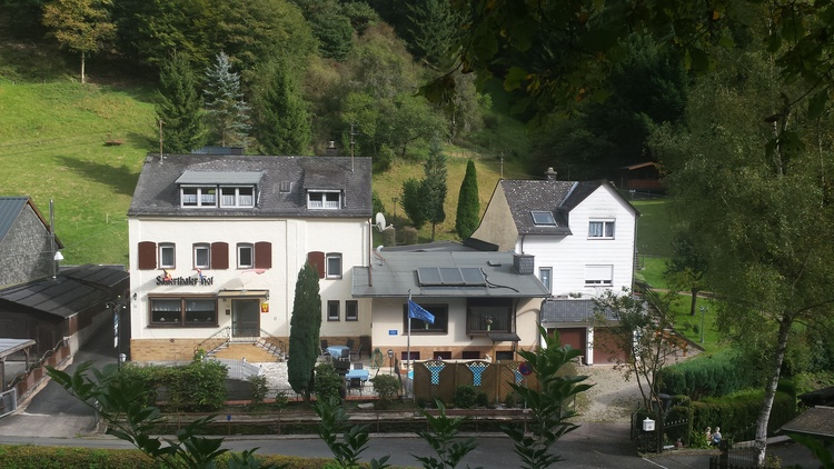 """on the picure left the """"Sauerthaler Hof"""" and right hand side the """"Haus am Wald"""""""