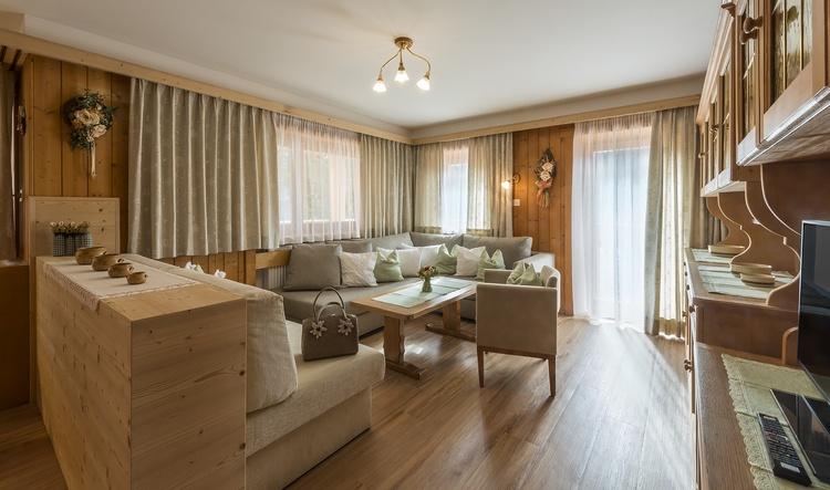 Wohnzimmer Ferienwohnung Kronplatz