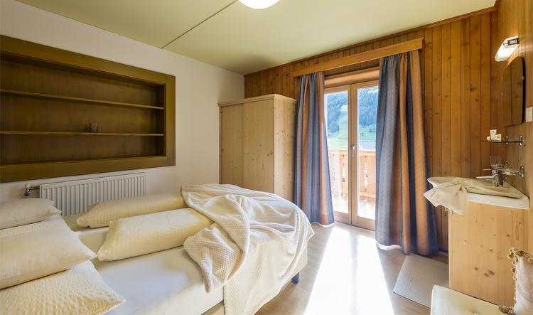 Doppelbettzimmer Ferienwohnung Kronplatz