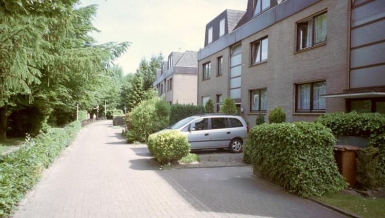Parkplatz direkt neben dem Hauseingang