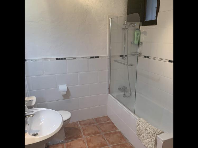 Shower bathroom upstairs