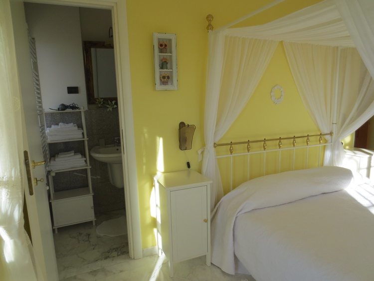"Bedroom ""Girasole"""