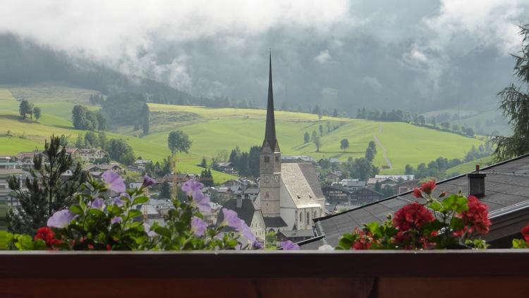 Panoramablick auf Maria Alm