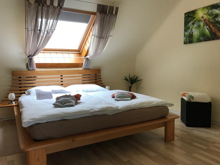 """Schlafzimmer """"Wood"""""""