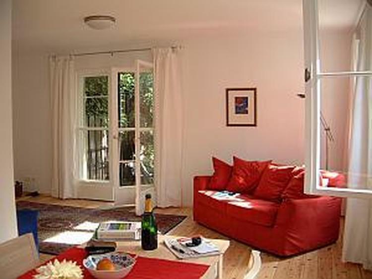 Berlin Cottage - das rote Kuschelsofa