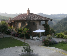 Holiday Apartment Monforte d'Alba