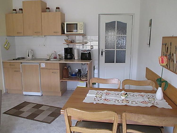 Wohnung 1, Küchenzeile