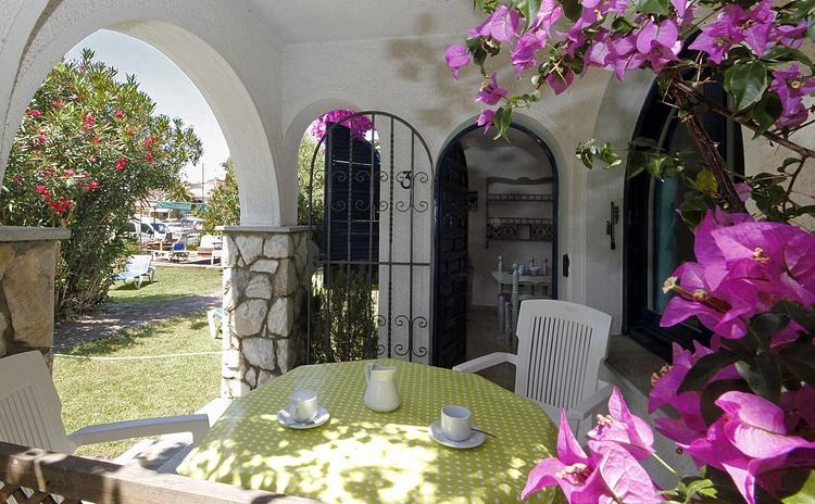 Garden, terrace, entrance