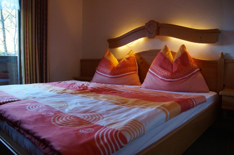 Eines von 4 Doppelbettzimmer